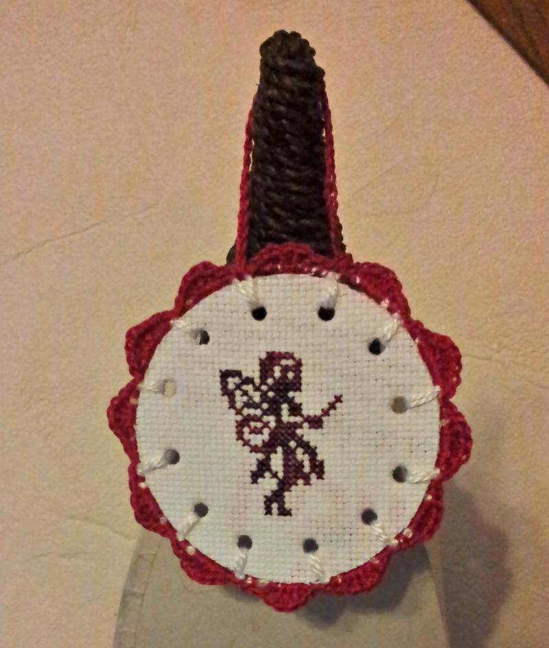 http://nicopod.free.fr/blog/fee_crochet_croix.jpg
